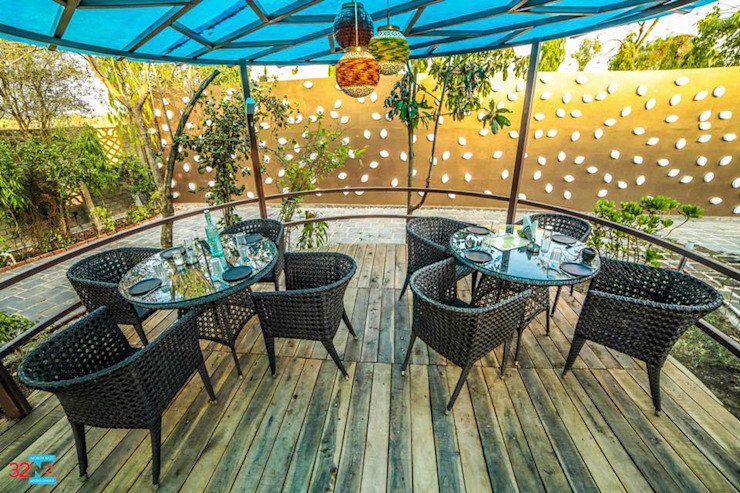 32 degree north east lounge Tropical style bars & clubs by Vinyaasa Architecture & Design Tropical