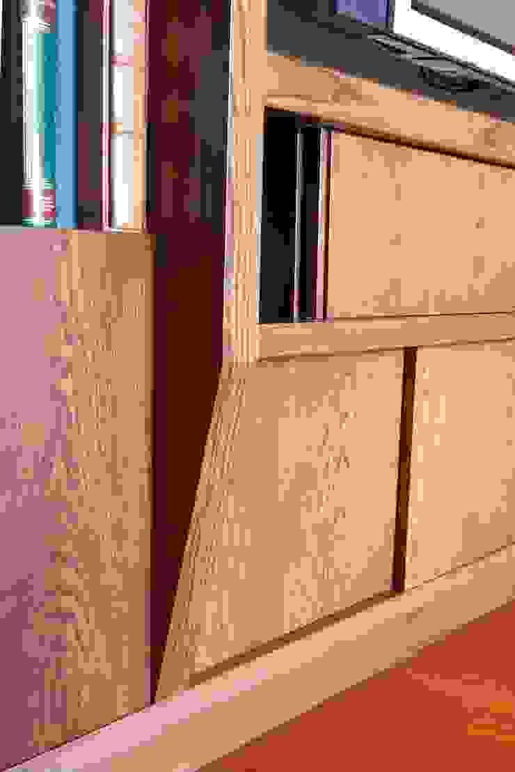Dettaglio libreria di Daniele Arcomano Moderno Legno Effetto legno