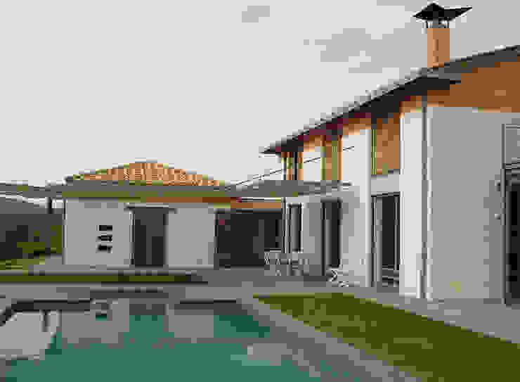Modern houses by Studio Crachi Modern