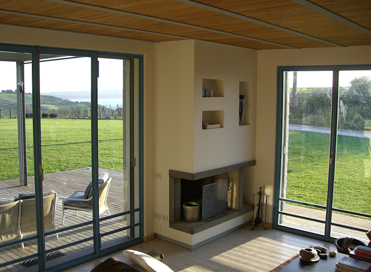 Modern living room by Studio Crachi Modern