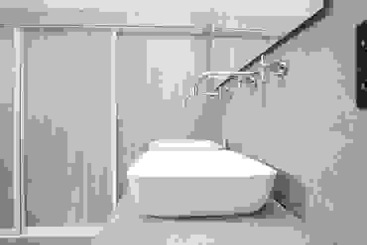 Badkamer ontwerp & Realisatie Landelijke badkamers van Mignon van de Bunt Interieurontwerp, Styling & Realisatie Landelijk