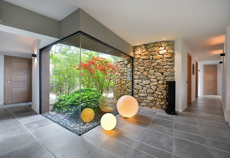 Koridor dan lorong by Atelier Jean GOUZY