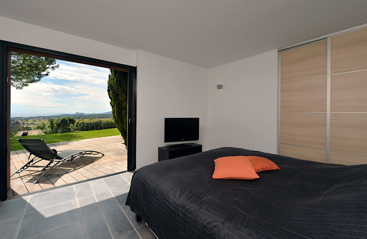 Mediterranean style bedroom by Atelier Jean GOUZY Mediterranean