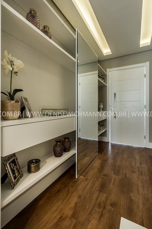 RESIDÊNCIA I O+L Treez Arquitetura+Engenharia Corredores, halls e escadas modernos MDF Branco