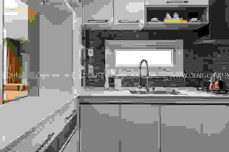 RESIDÊNCIA I O+L Treez Arquitetura+Engenharia Cozinhas modernas Quartzo Branco