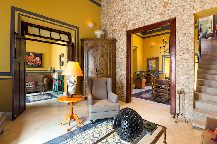 Merida Arquitectos Colonial walls & floors Stone Amber/Gold