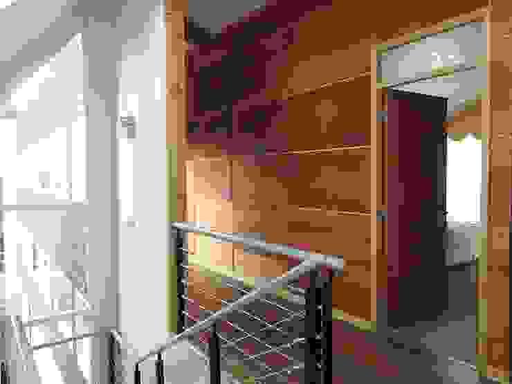 Apart Hotel Madero Pasillos, vestíbulos y escaleras modernos de U.R.Q. Arquitectura Moderno Aglomerado