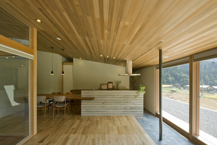 鮎立の家 オリジナルデザインの キッチン の 浦瀬建築設計事務所 オリジナル