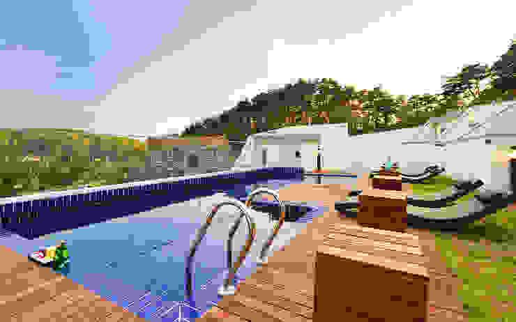 Moderne zwembaden van 건축사사무소 어코드 URCODE ARCHITECTURE Modern