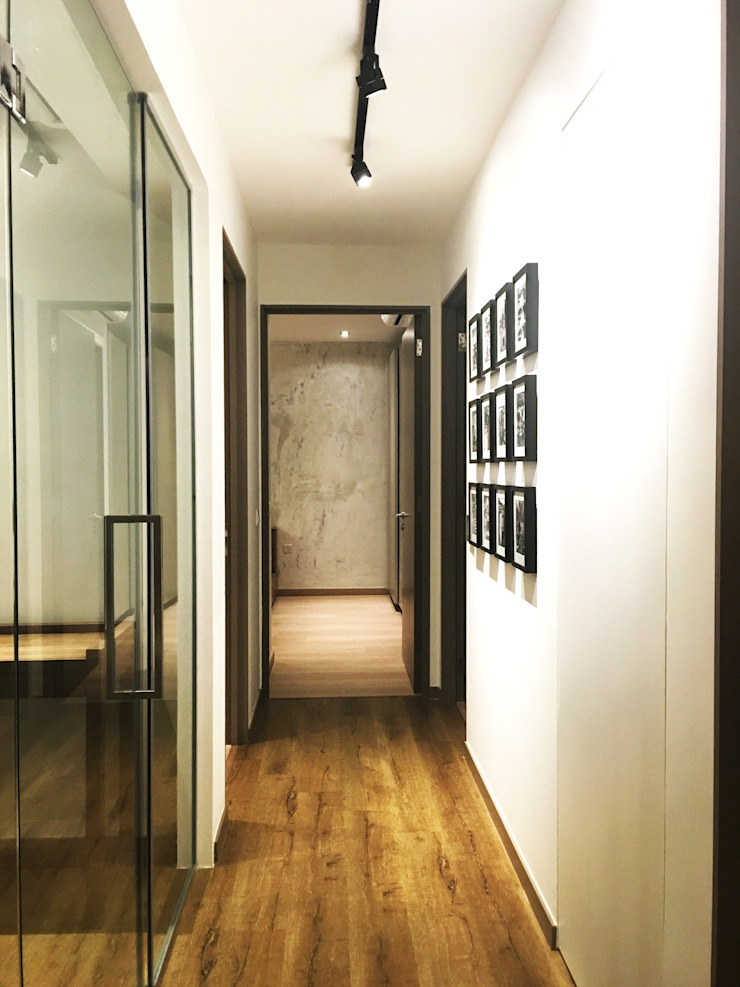 corridor & photo gallery Modern corridor, hallway & stairs by RSDS Architects Modern