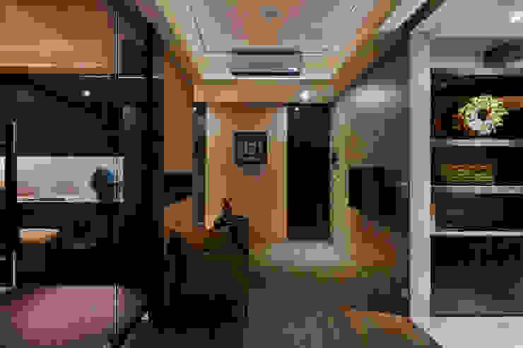 內斂奢華 經典住宅 現代風玄關、走廊與階梯 根據 舍子美學設計有限公司 現代風
