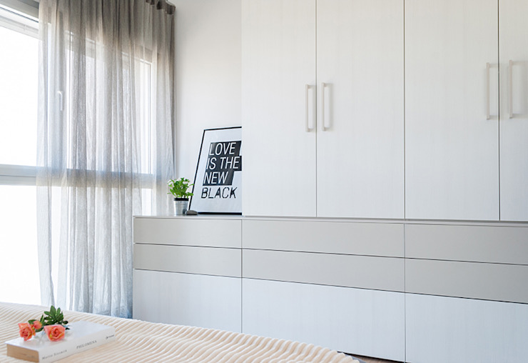 Minimalist bedroom by Made with home Minimalist
