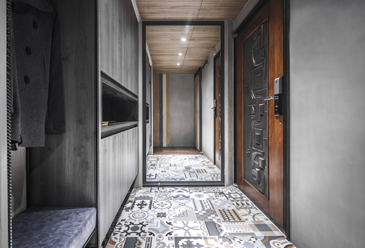 Corridor & hallway by 樂沐室內設計有限公司, Industrial Wood-Plastic Composite