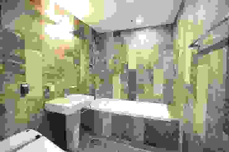 Bathroom by atelierBASEMENT, Modern