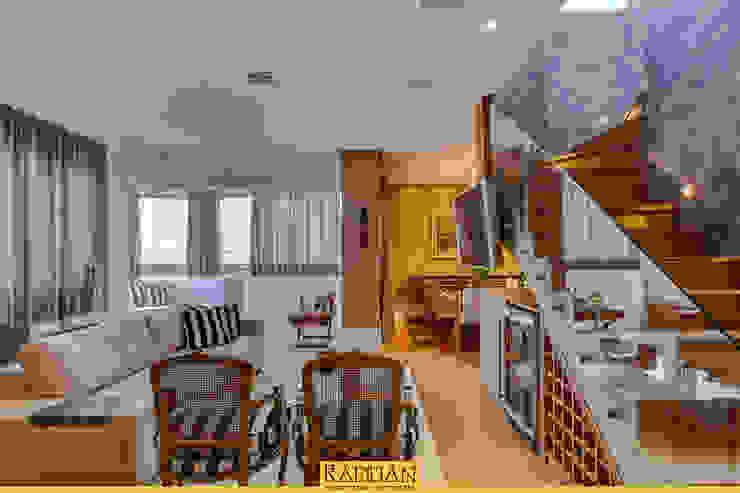 Sala de Estar Salas de estar clássicas por Raduan Arquitetura e Interiores Clássico