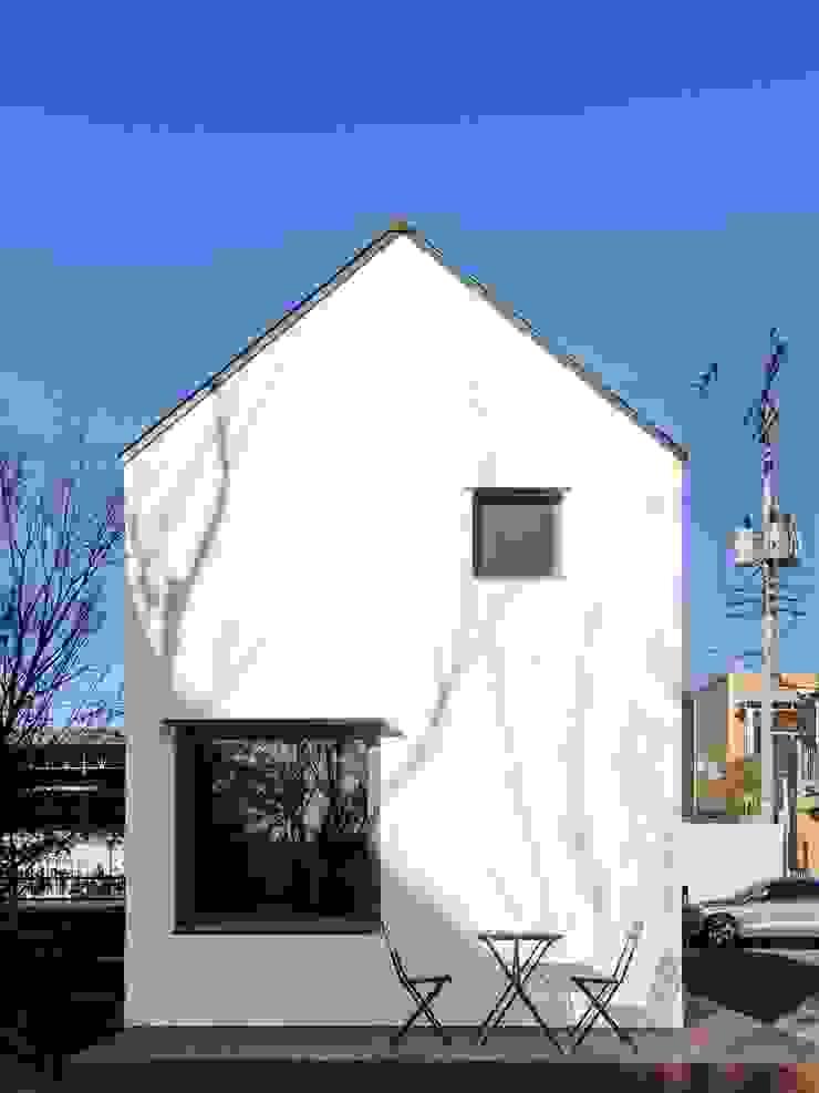 Modern Kitchen by 픽셀 하우스 Pixel Haus Modern