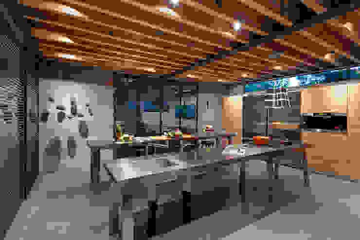 grupoarquitectura Modern style kitchen
