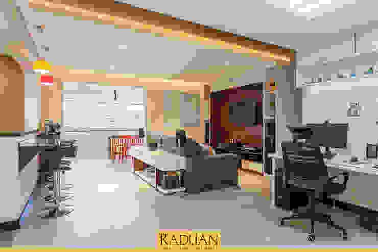 Sala Salas de estar modernas por Raduan Arquitetura e Interiores Moderno