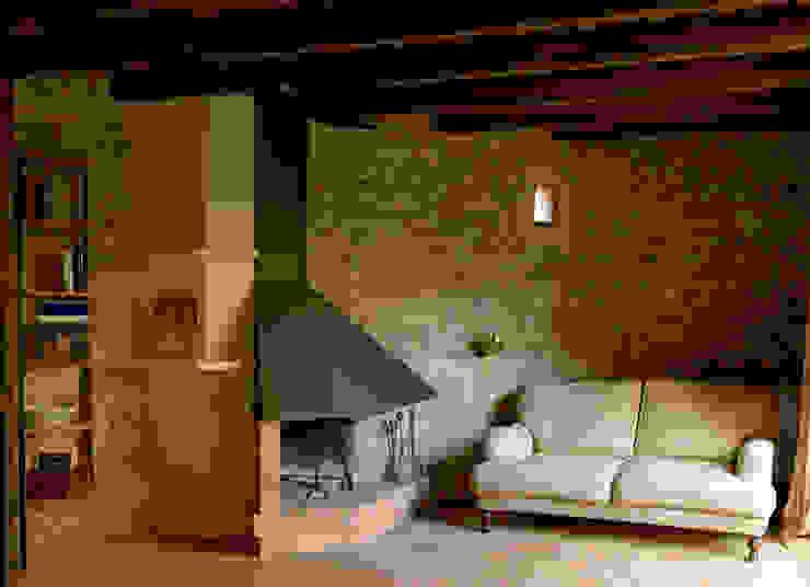 Ruang Keluarga Gaya Rustic Oleh Irabé Projectes Rustic