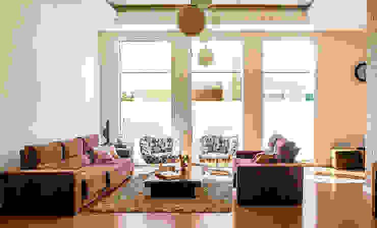 Living room by Aresto Arquitetura