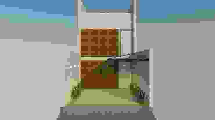 by Studio Escala Arquitetura e Interiores Iндустріальний
