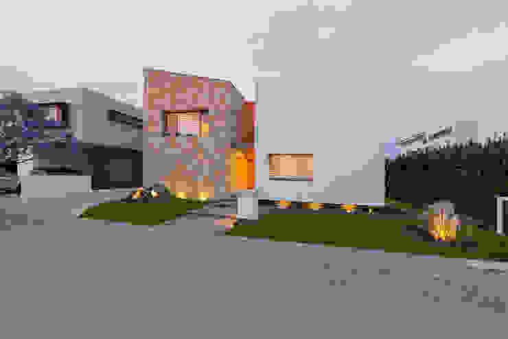 Moderne Häuser von espacio NUEVE CERO UNO Modern Stein