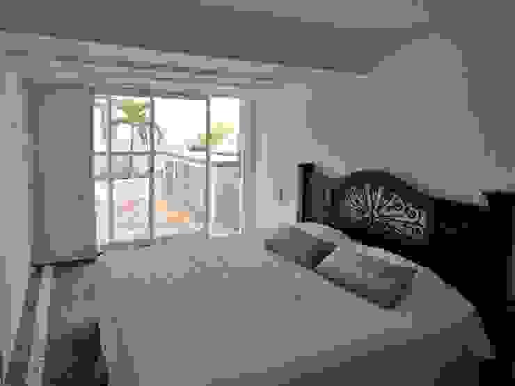 Apartamento de Playa Cuartos de estilo minimalista de RRA Arquitectura Minimalista Concreto