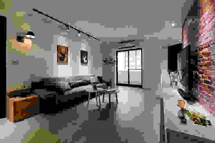 Salas de estilo ecléctico de 隹設計 ZHUI Design Studio Ecléctico
