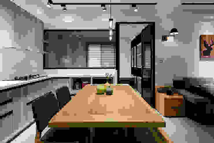 隹設計 ZHUI Design Studio Cocinas de estilo ecléctico