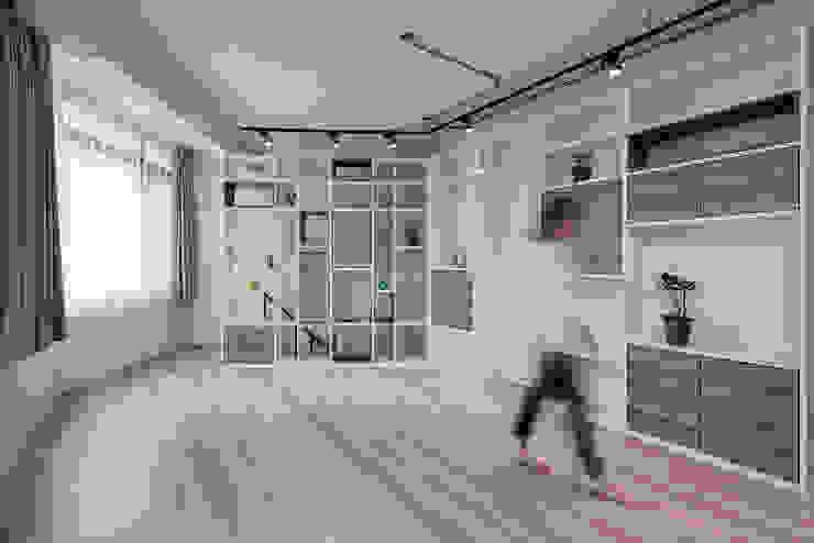 Детские комната в эклектичном стиле от 隹設計 ZHUI Design Studio Эклектичный