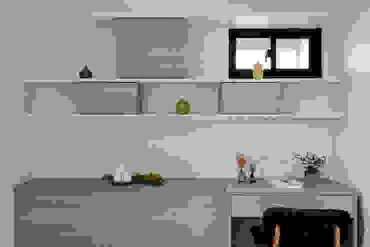 5F次臥室 Eclectic style bedroom by 隹設計 ZHUI Design Studio Eclectic