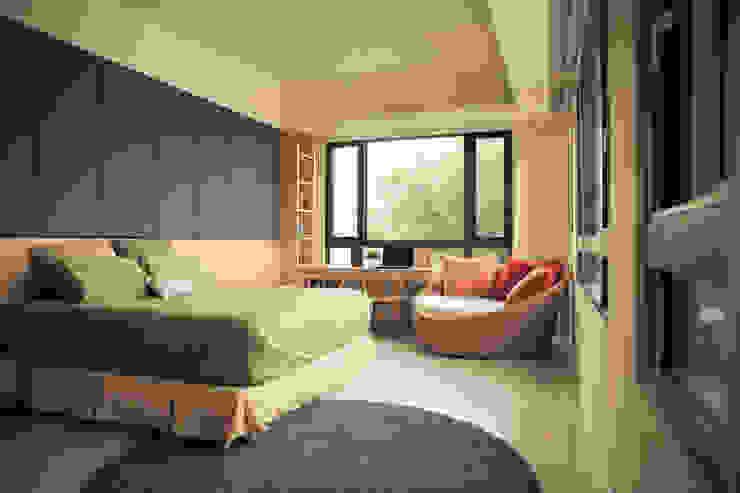 Chambre minimaliste par 舍子美學設計有限公司 Minimaliste