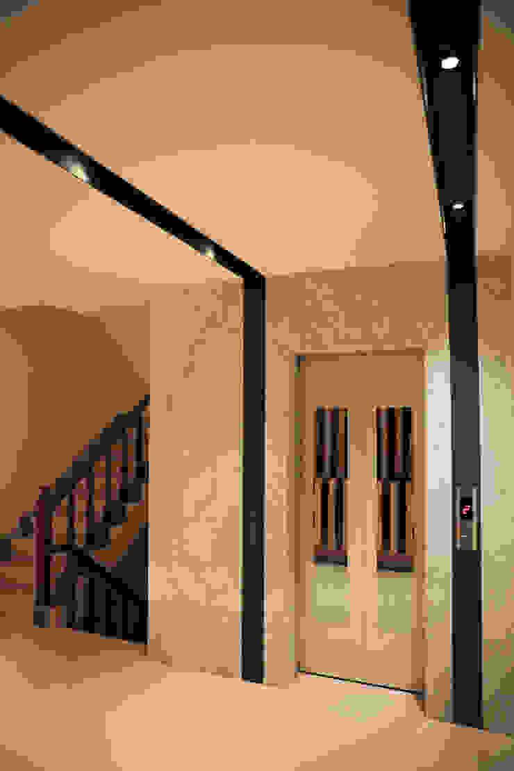 ミニマルスタイルの 玄関&廊下&階段 の 舍子美學設計有限公司 ミニマル