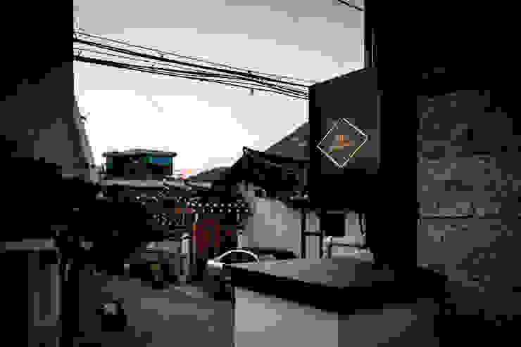 PDR OFFICE 한옥 사무실 간판 by 쿠나도시건축연구소 모던 금속