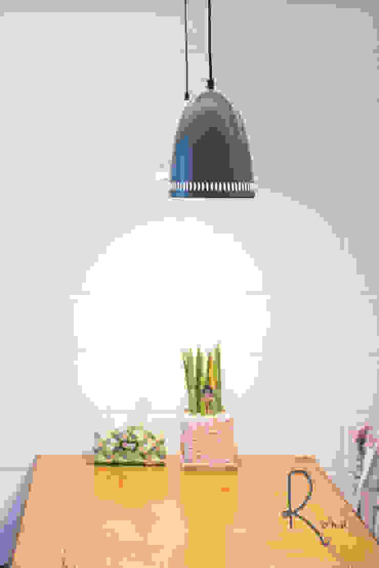 주방 식탁 컨트리스타일 다이닝 룸 by 로하디자인 컨트리 벽돌