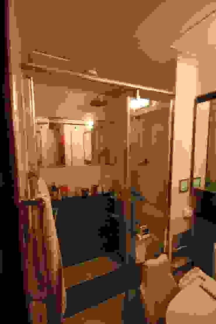 공사 전 안방 욕실: 로하디자인의 클래식 ,클래식