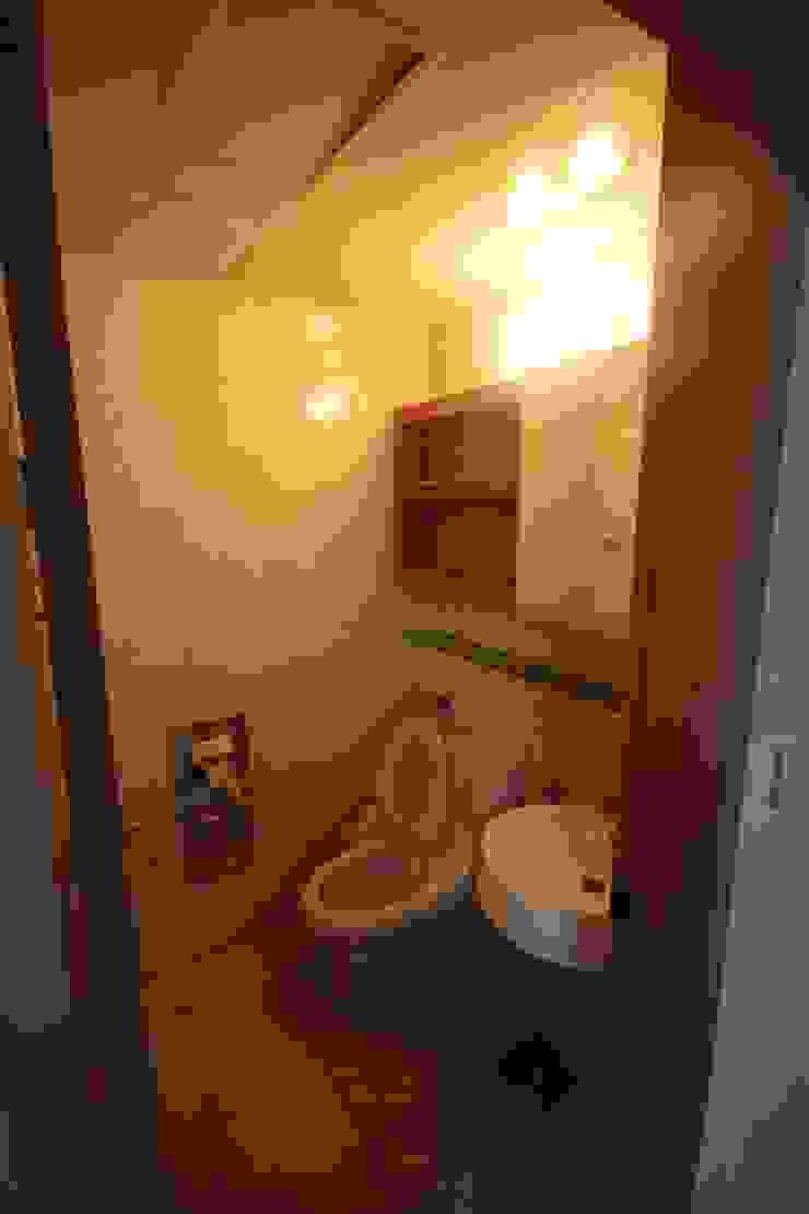 공사 전 안방 욕실: 로하디자인의 컨트리 ,컨트리