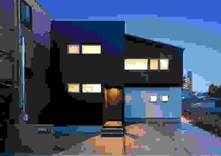 Moderne Häuser von 中村建築研究室 エヌラボ(n-lab) Modern Eisen/Stahl