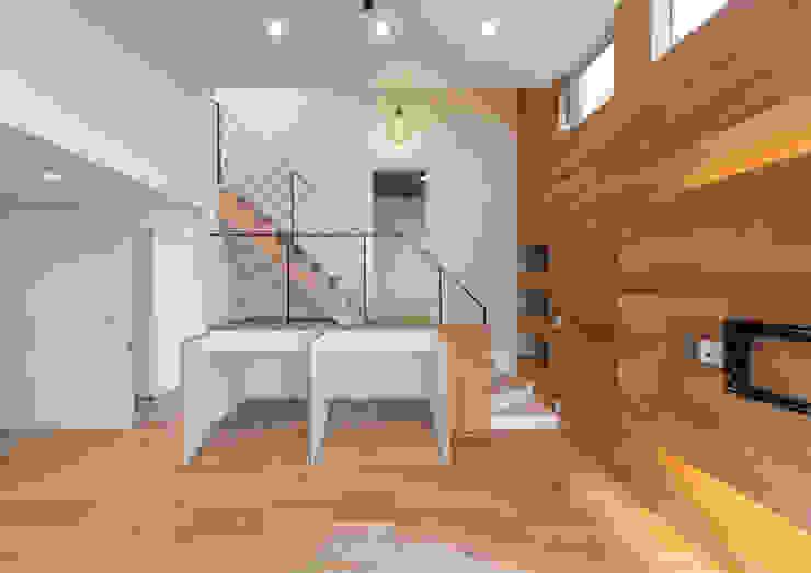 Modern Living Room by 中村建築研究室 エヌラボ(n-lab) Modern Wood Wood effect