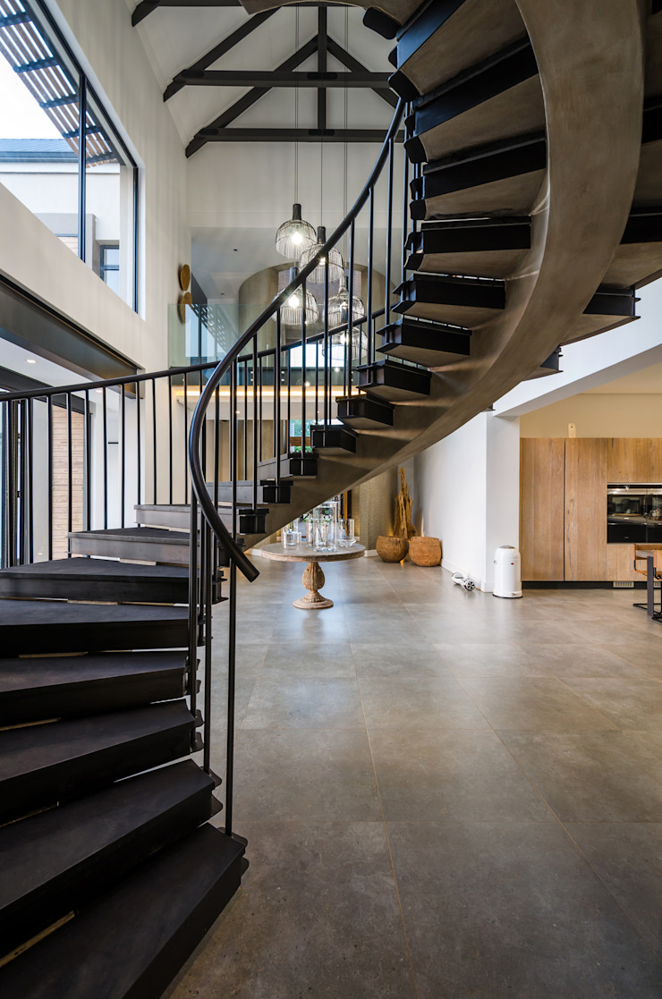 Modern Farmhouse - Silverlakes Nature Reserve Modern Corridor, Hallway and Staircase by Karel Keuler Architects Modern