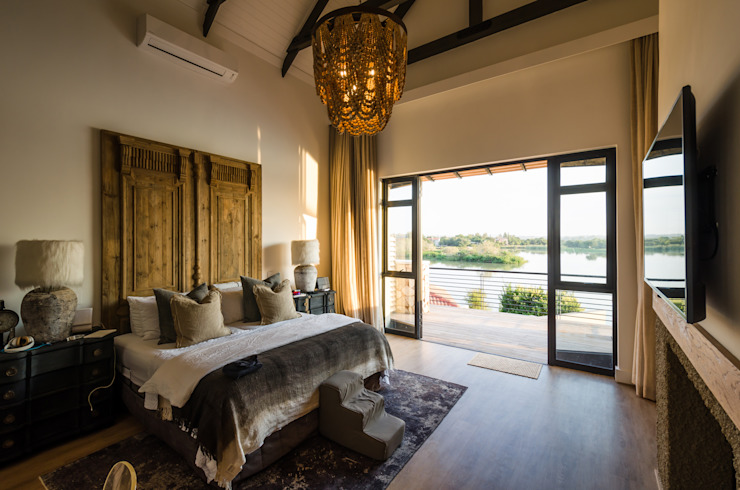 Modern Farmhouse - Silverlakes Nature Reserve Modern Bedroom by Karel Keuler Architects Modern