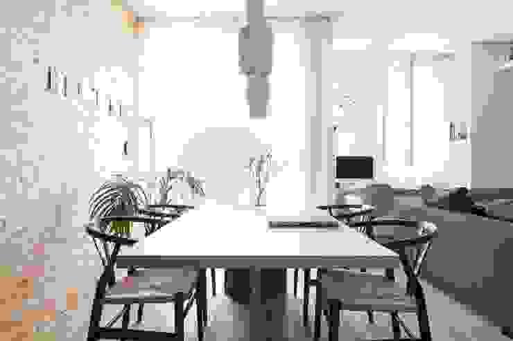 Comedores de estilo minimalista de Didonè Comacchio Architects Minimalista