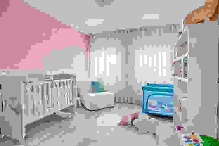 homify غرفة الاطفال Pink