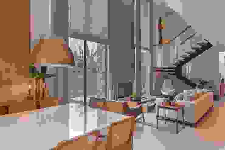 Столовые комнаты в . Автор – Del Nero Da Fonte Arquitetura,
