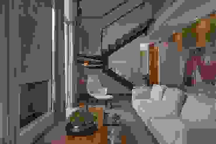 Projeto de Interiores - Barão: Salas de estar  por Del Nero Da Fonte Arquitetura,Moderno