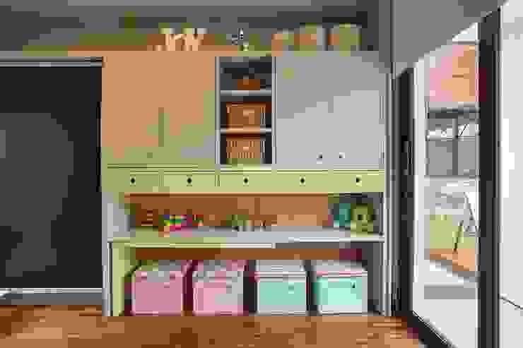 Cuartos infantiles de estilo moderno de Del Nero Da Fonte Arquitetura Moderno