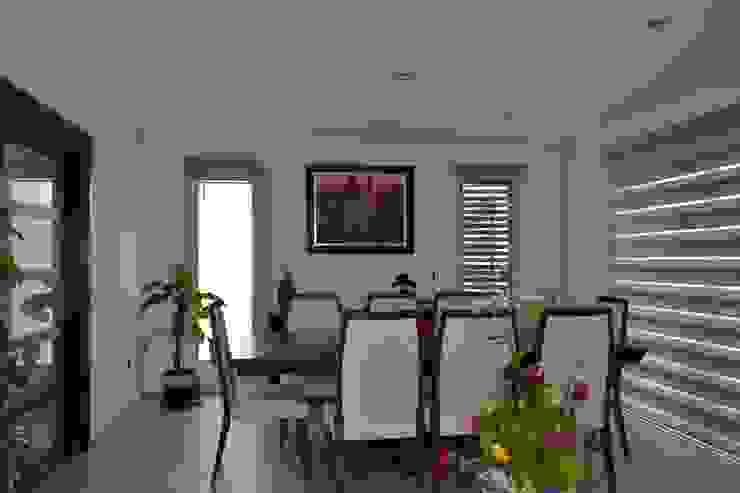 Comedor Comedores de estilo moderno de ANTARA DISEÑO Y CONSTRUCCIÓN SA DE CV Moderno Bambú Verde