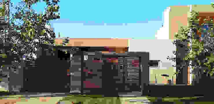 Casa Ts3_1 Casas modernas: Ideas, imágenes y decoración de ELVARQUITECTOS Moderno
