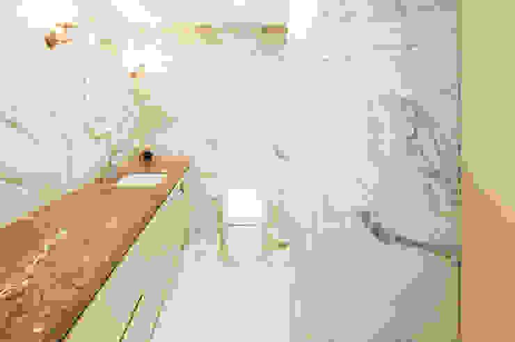 따뜻한 감성의 욕실 모던스타일 욕실 by 영보디자인 YOUNGBO DESIGN 모던