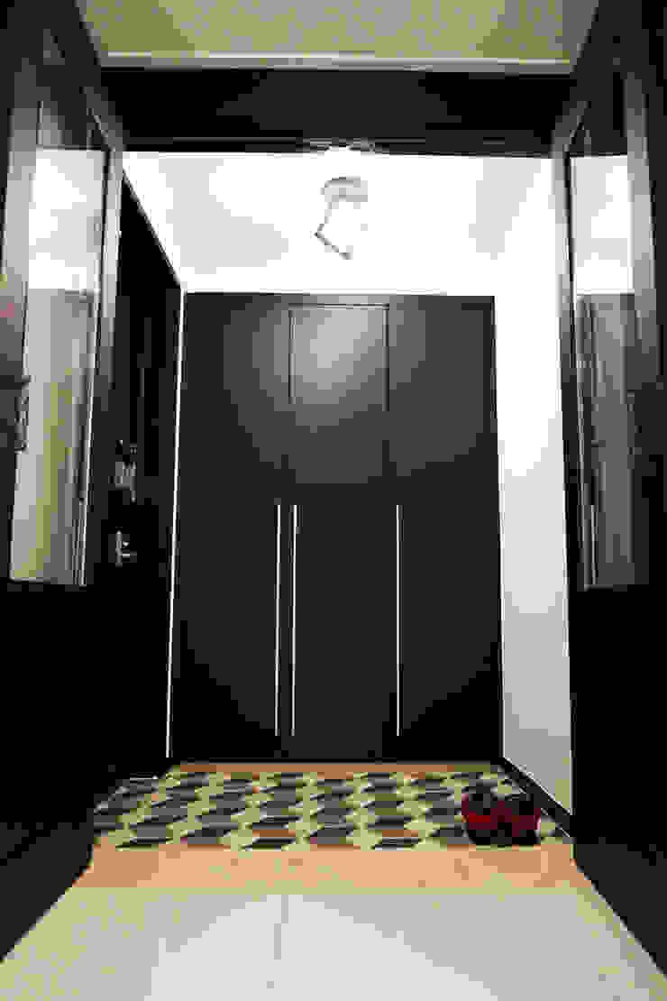 34평 폴리싱타일을 이용한 넓어보이는 인테리어 by 유쾌한녀석들